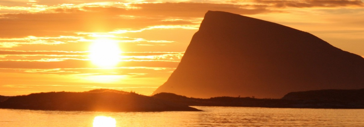 Midnight sun at Sommarøy 1920 650