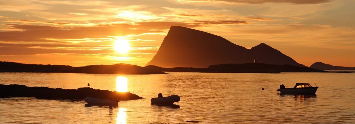 Midnight sun at Sommarøy 2 1920 650